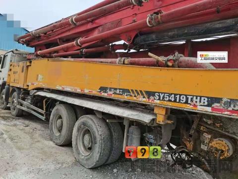 出售2011年出厂三一奔驰底盘56米泵车(叉腿+6节臂)
