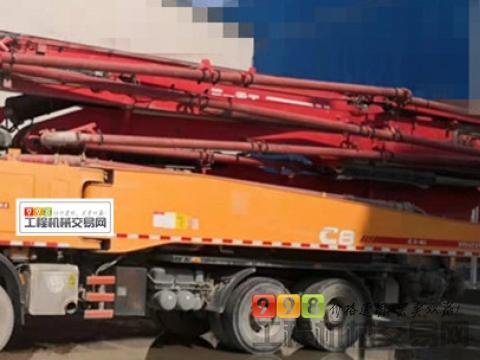 出售16年国四三一奔驰底盘52米泵车