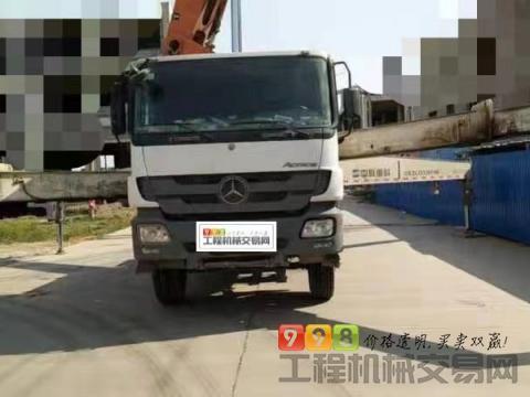 车主出售13年出厂橙色中联奔驰49米(3桥叉腿实表21万方)