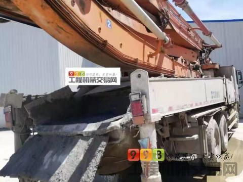 终端出售2014年差6天中联奔驰三桥叉腿47米(经典橙色臂架)