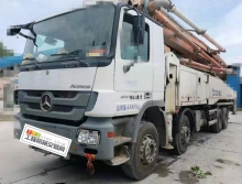出售13年中联奔驰底盘56米泵车