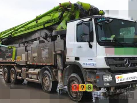 极品出售17年出厂中联奔驰56米泵车(国四)