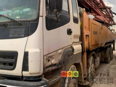 终端出售13年三一五十铃52米泵车(黑转塔  六节臂  )
