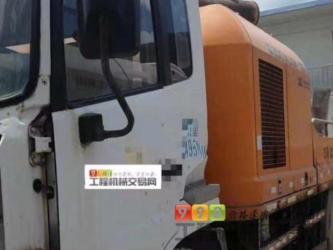 一口价出售2012年10月出厂中联10018车载泵