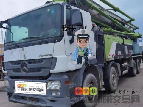 精品出售18年中联奔驰56米泵车