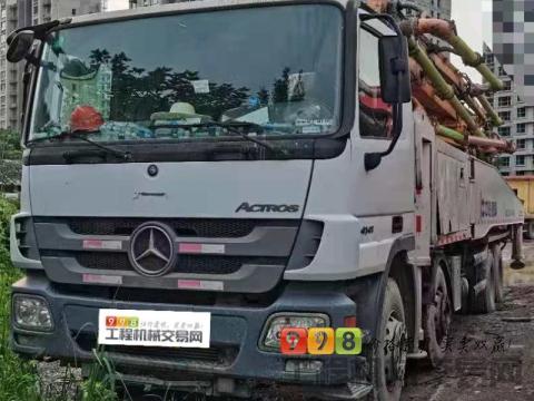 精品出售14年12月中联奔驰52米泵车