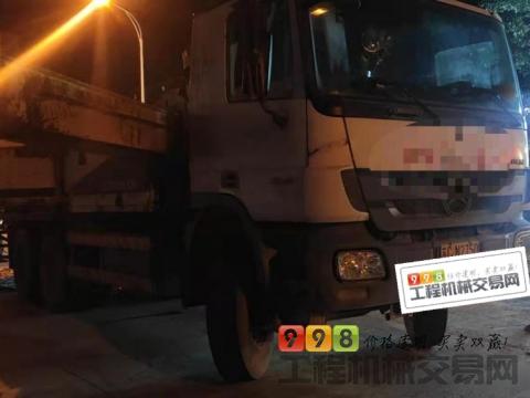 精品出售12年中联奔驰47米泵车