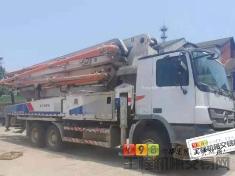 出售12年12月中联奔驰47米泵车