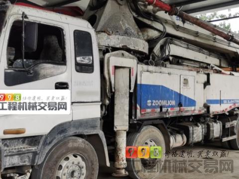 出售2012年中联五十铃52米泵车(叉腿)