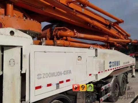 出售13年10月中联奔驰56米泵车(6节臂)(天价)