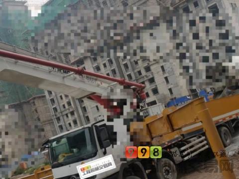 极品出售19年8月徐工奔驰V7系列62米泵车(国五)
