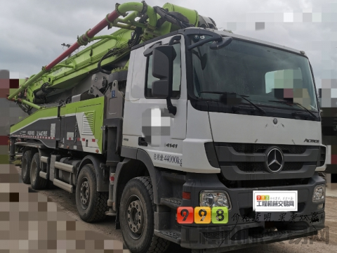 精品出售2018年中联奔驰56米泵车