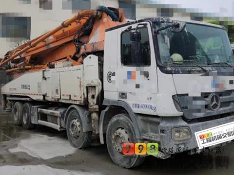 出售14年中联奔驰底盘52米泵车