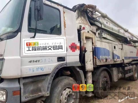 精品出售11年中联奔驰52米泵车