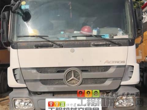 出售2013年三一奔驰52米泵车